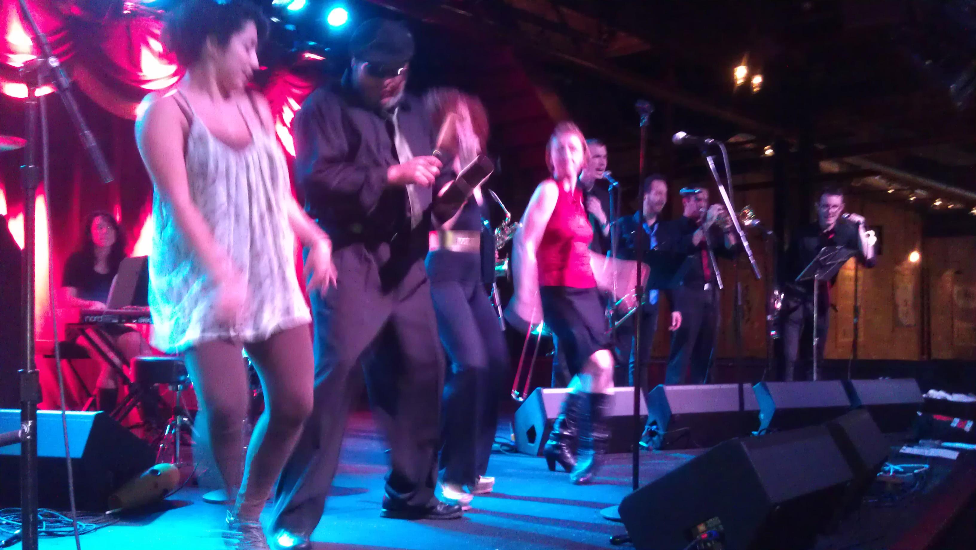 Image Gallery Live Salsa