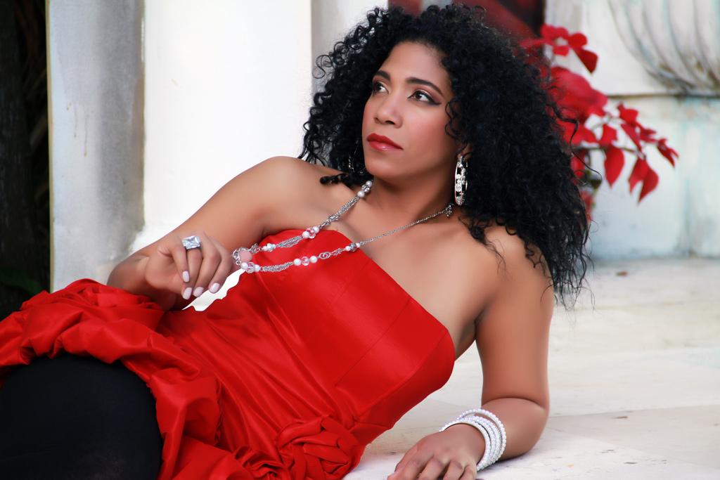 """Review: Lisette Morales """"La Mulata Del Sabor"""""""
