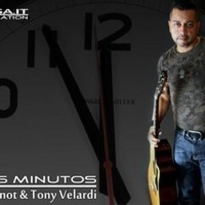 "Review: Ivan Venot & Tony Velardi ""5 Minutos"""
